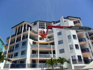 Spider-lift-at-mackay-apartment-repaint